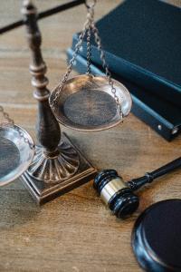Divorce judiciaire ou conflictuel : procédure, durée et coût